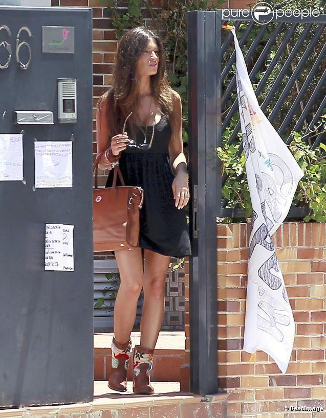 Sara Carbonero con botas HOWSTY