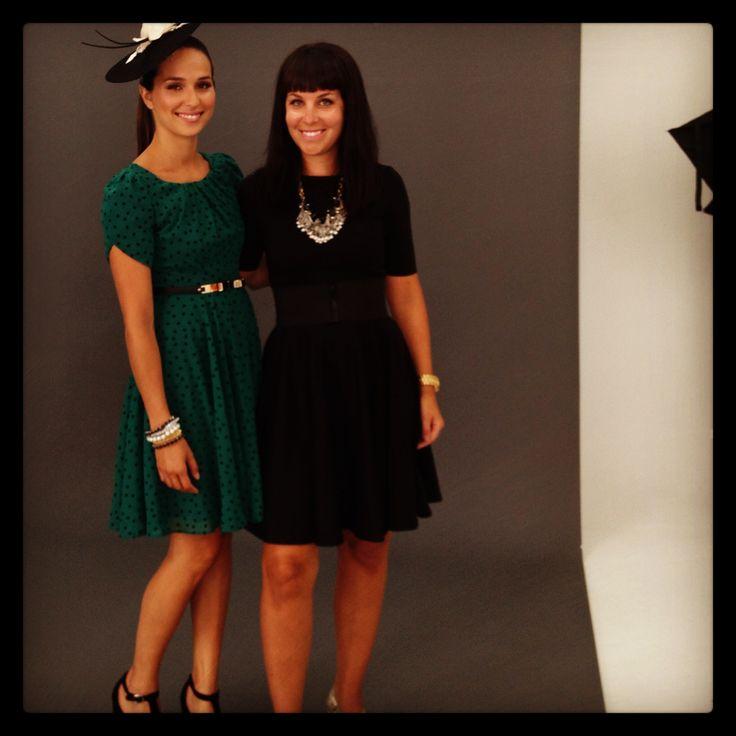 Photoshoot: 14 ans, 14 stylistes, 14 looks fait au Canada Stylisme: Marie-Elaine Gagnon Mannequin:  Mell -Specs / Robe: annie50, Bijoux et parure de tête: simons