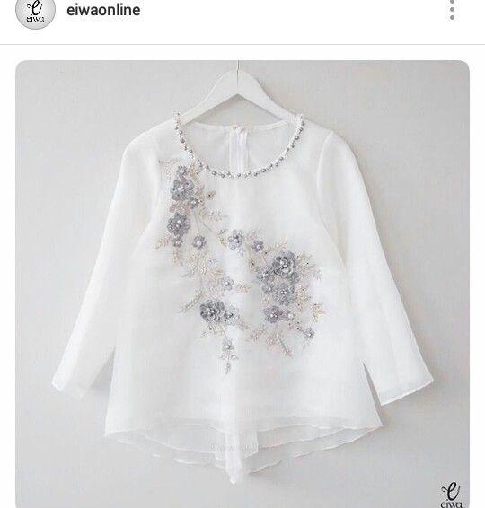Kebaya putih elegant