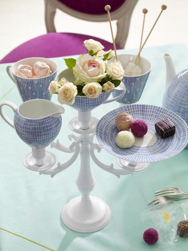 In 40 Minuten fertig! mehrarmiger Kerzenleuchter (z. B. vom Flohmarkt oder Dekoladen)Sprühfarbe in Weiß3 Tassen, ein Kännchen, ein