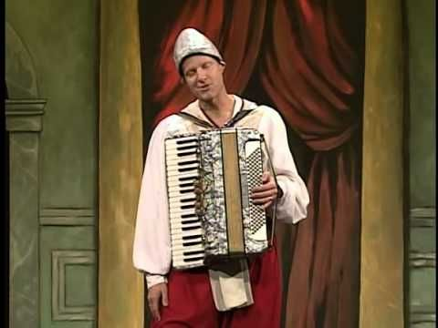 The Complete Works of William Shakespeare (Abridged) -- filmed theatre production. SO FUNNYYY!