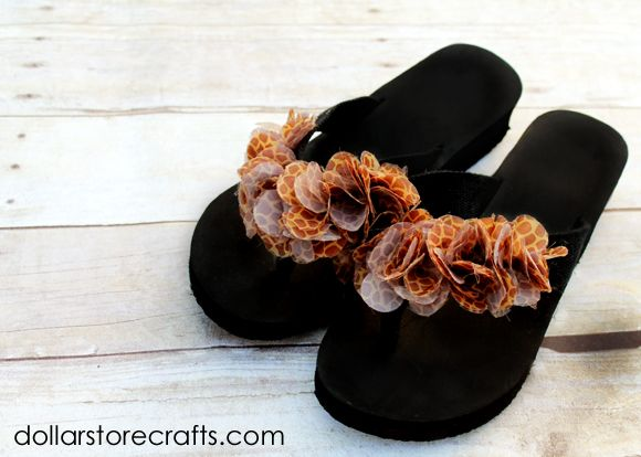 Dollar Store Crafts » Blog Archive » Tutorial: Sassy Jungle Girl Flip Flops