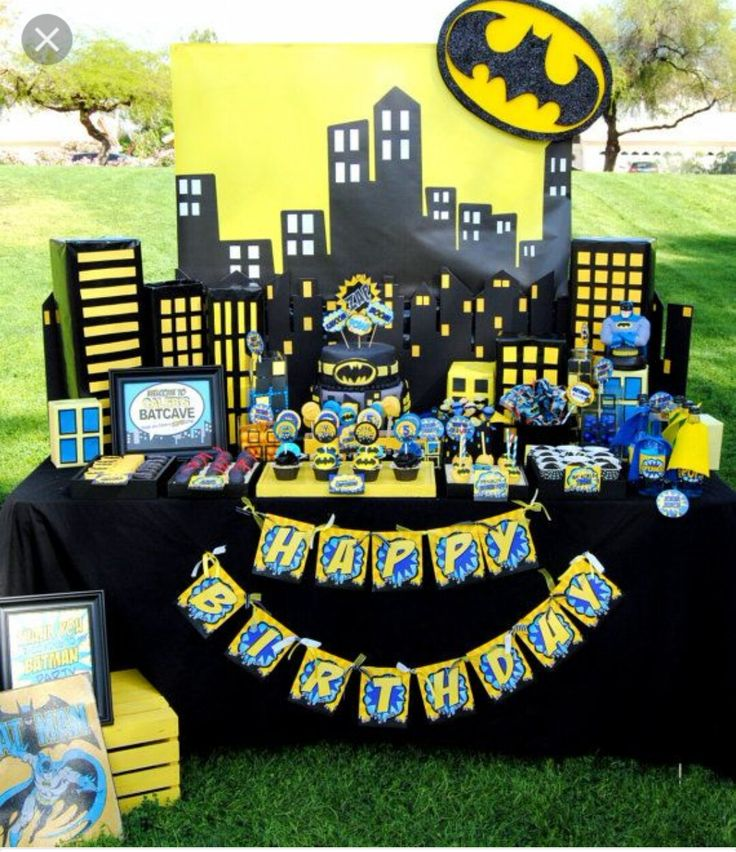 Batman birthday candy table | Batman party | Pinterest ...
