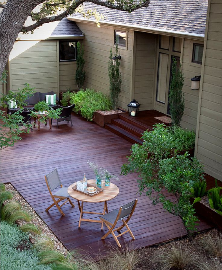Traditional Deck Design in Austin
