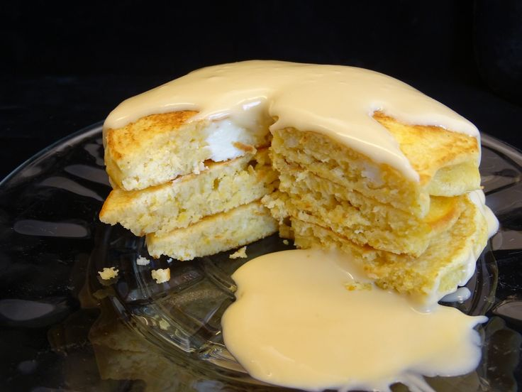 Wow ! breakfast may never be the same once you make these bad boys , these cheesecake pancakes with maple cream look so delicious that I could just eat some...