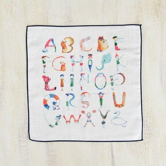 ABC4重ガーゼハンカチ(アルファベット)|雑貨・その他|kyi|ハンドメイド通販・販売のCreema
