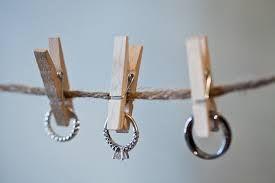Картинки по запросу как сфотографировать свадебные кольца
