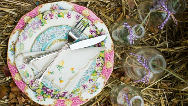Mixed vintage dinner setting x