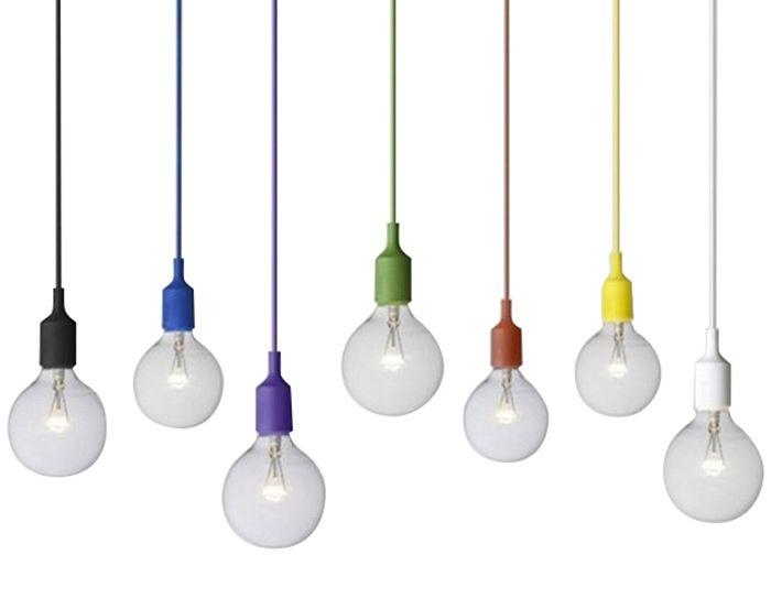 Siliconen pendel lampen zijn ontzettend hip en hangen perfect boven dat ene mooie kastje, in de hal, of in de slaap / kinderkamer. Verkrijgbaar in verschillende kleurenWordt zonder lamp (bulb) geleverd.Wattage: 31-40 wattSnoerlengte: 90cmLamp (E27 -