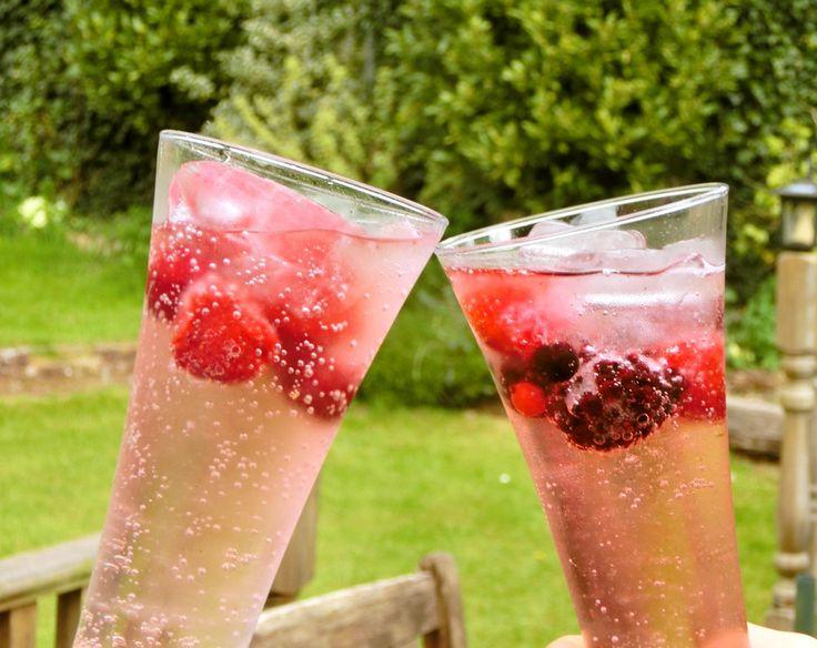 炭酸水×冷凍フルーツが夏のミカタ。香り高い爽やかドリンクがSNSで話題 (2ページ目)|MERY [メリー]