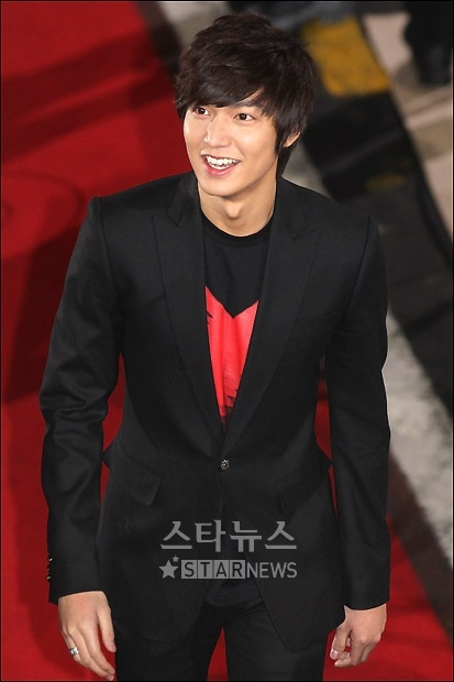 Lee Min Ho you know, doing his usual thing, just being awfully SEXYYY!!
