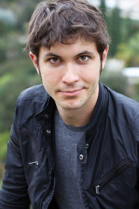 Toby Turner jeebz your one attractive nerd <3