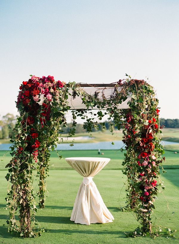 New Jersey Golf Course Wedding, Red and Pink Floral Chuppah, Dahlias and Roses, Lindsay Madden, www.snippetandink.com