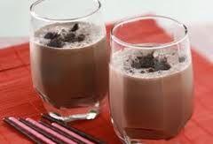 "test Resep Black Iced CoffeeBahan :5 keping biskuit oreoEs batu secukupnya5 skop es cream coklat100 ml air kopi kentalCokelat bubuk secukupnyaCara Membuat :Masukkan semua bahan ke dalam  blender kecuali cokelat bubuk,proses sampai lembut.Tuang ke dalam gelas dengan taburan cokelat bubuk dengan cara diayak.Sajikan segera selagi dingin.  w2bPinItButton({  url:""http://kreasimasakan.blogspot.com/2011/04/resep-black-iced-coffee.html"",  thumb…"