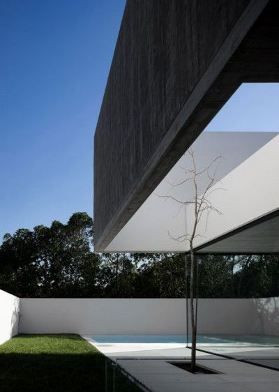 House in Juso was designed by ARX Portugal and Stefano Riva.