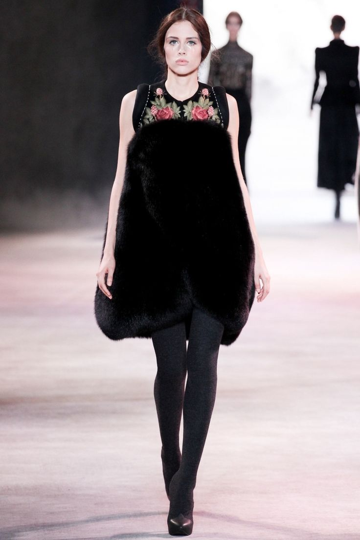 Ulyana Sergeenko   Коллекции осень-зима 2013/2014   Париж   VOGUE