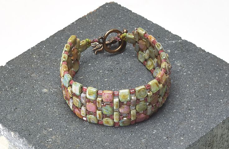 "Bracelet ""Cobblestone Path"" - Rochelle Petersen   Freebies   Perlen Poesie  ~ Seed Bead Tutorials"