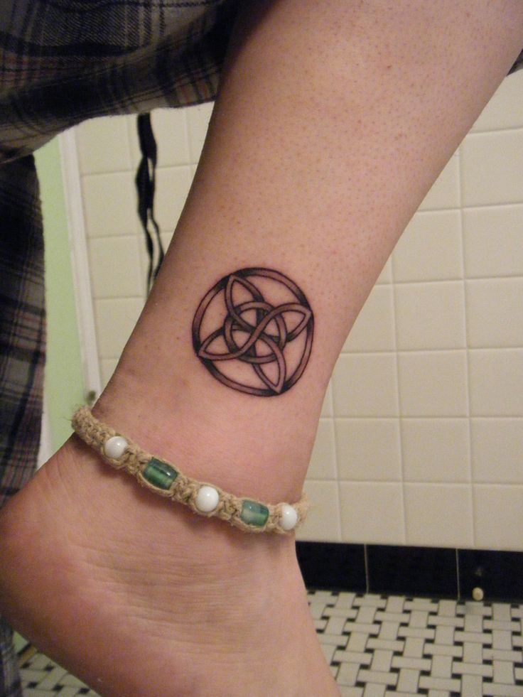 Celtic Tattoo Leg