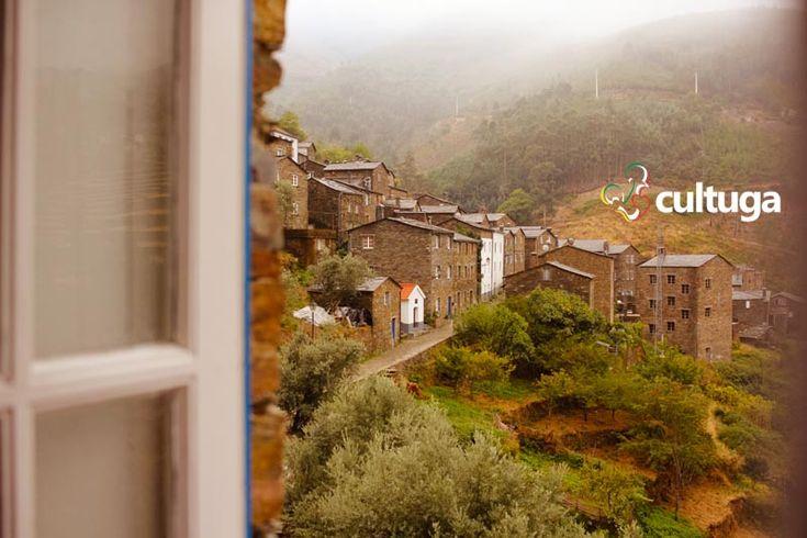 Aldeia histórica do Piódão vista a partir da Casa da Padaria. Portugal | Roteiro de viagem