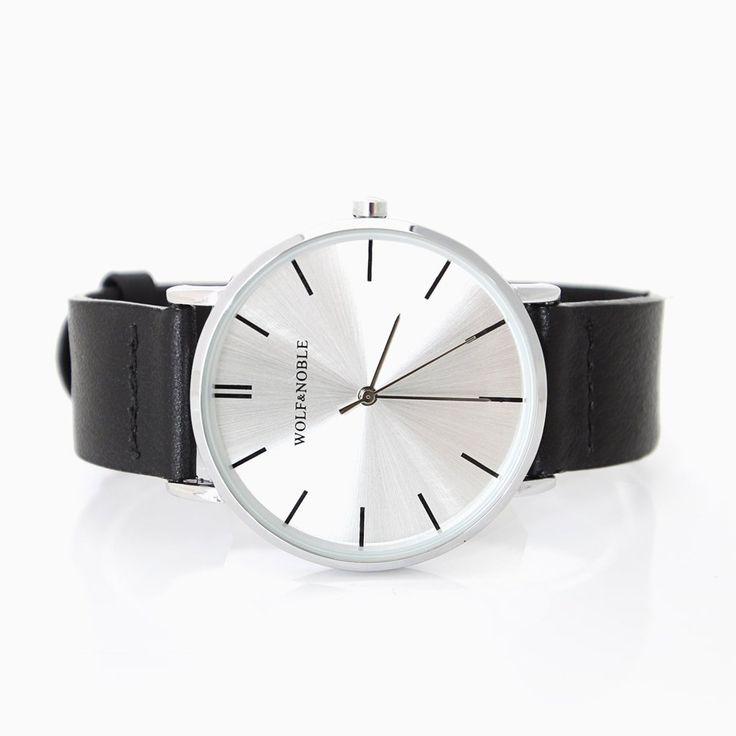 Klassisk designet unisex ur med slim case i et moderne nordisk & minimalistisk udtryk. Uret er drevet af et Japansk Quartz urværk & vores nye remme er a