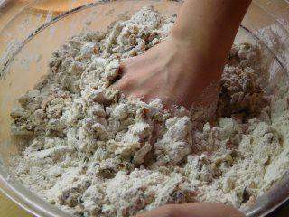 Seitan selber machen aus einfachem Weizenmehl oder Weizengluten. Hier finden Sie eine genaue Anleitung für die unkomplizierte Seitan…