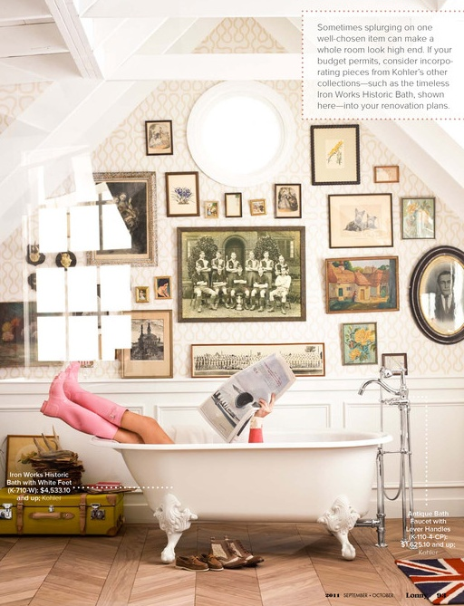 I like the vintage feel here, <3 claw foot tubs!