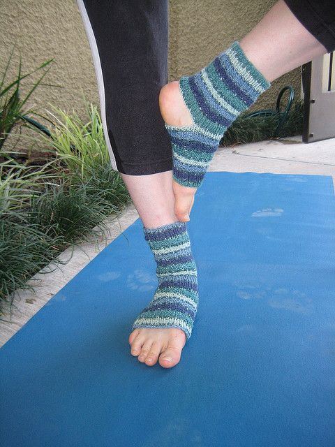 Yoga socks - ravelry, free pattern | Yoga socks, Socks ...