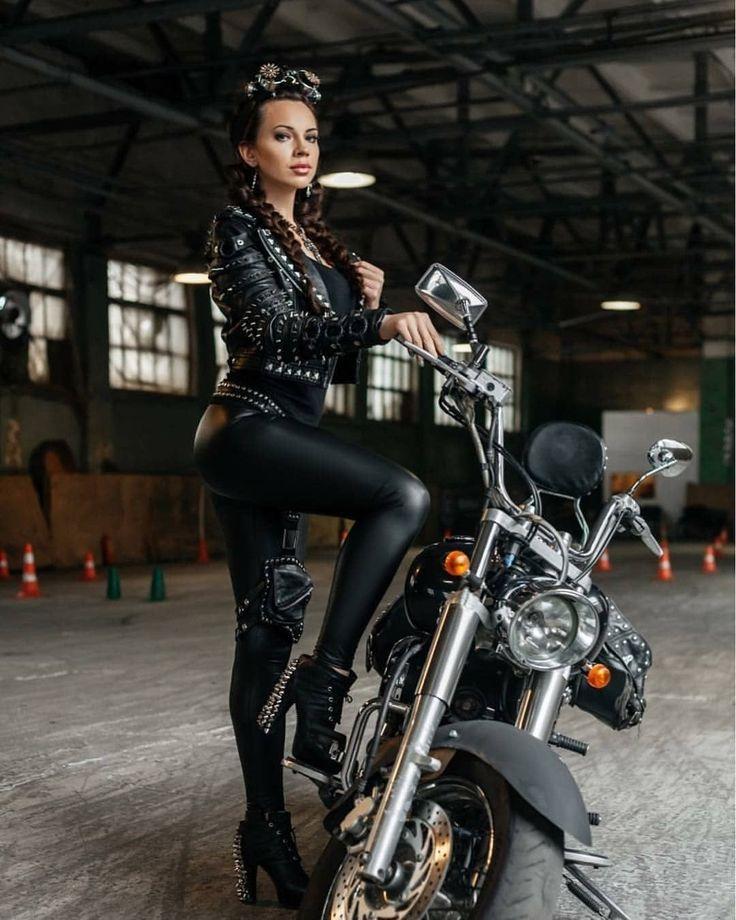 Байкерши на мотоциклах фото
