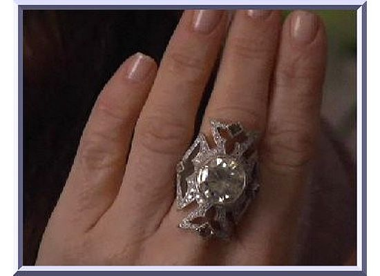 Kyle Richard S Real Housewives Of Bh Cross Ring By Loree Rodkin My Style
