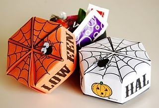 Halloween origami boxes...free printables...very cute stuff...great activity for school party