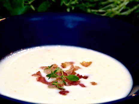Krämig blomkålssoppa med bacon | Recept från Köket.se
