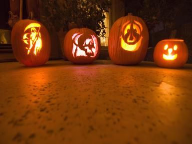 jackolanterns, halloween, carved pumpkins, tips - © 2014 Laura Ciapponi/Getty Images, licensed to About.com, Inc.