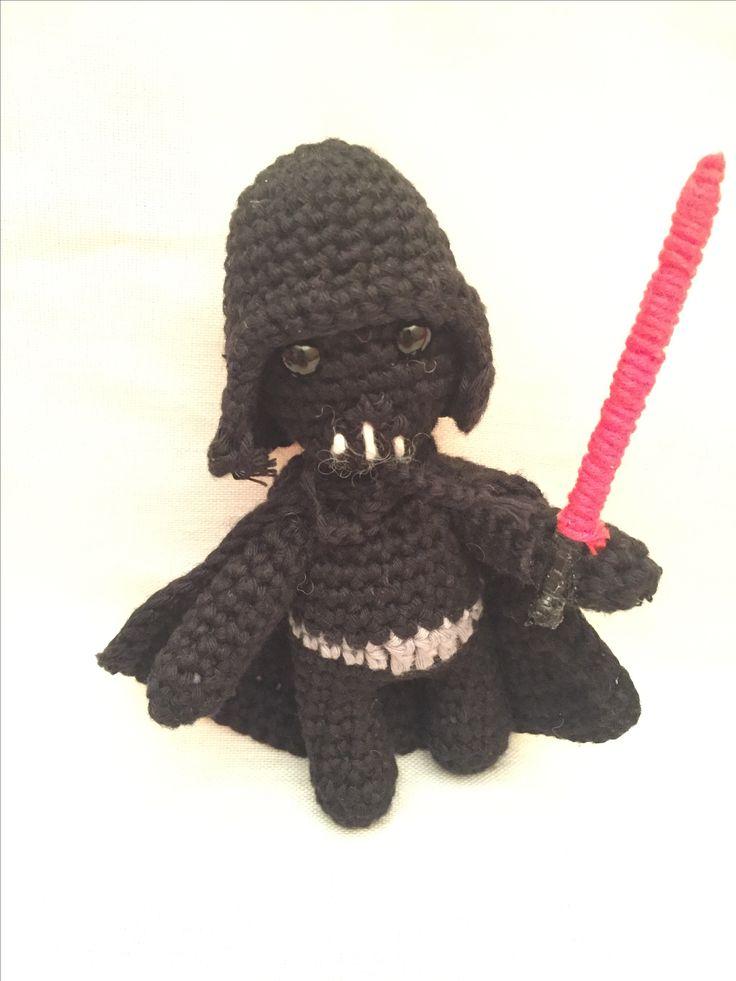 Amigurumi. Darth Vader. Patrón de http://amigurumilacion.blogspot.com.es