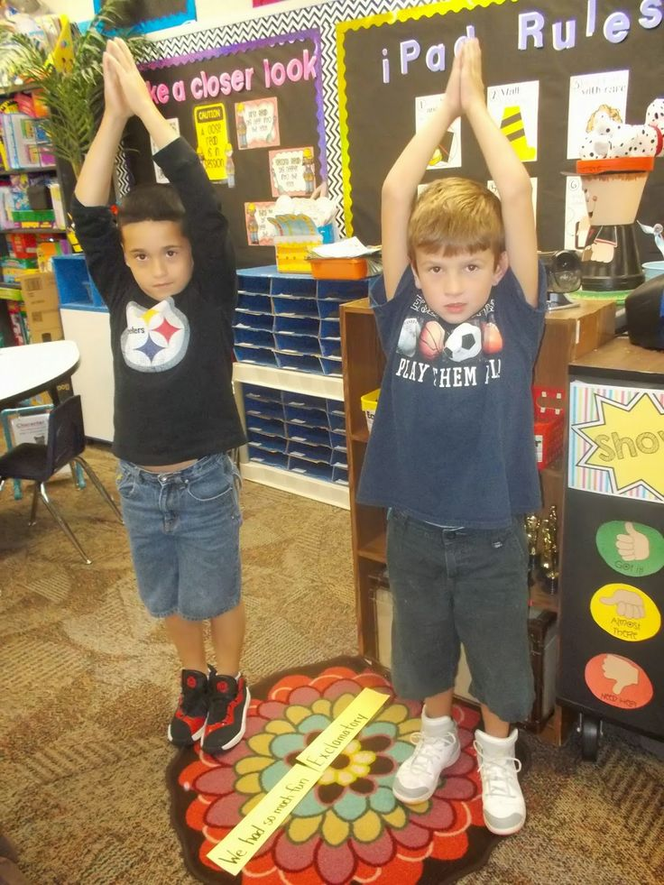 Cute idea for practicing punctuation! The students read the sentence and form into groups with matching punctuation and make the punctuation pose. Here they are standing up tall for exclamation marks.
