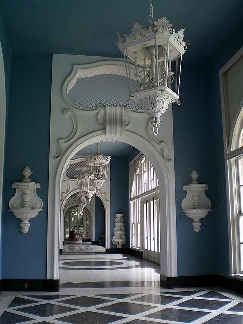 Palácio Quitandinha em Petrópolis by felipesp, via Flickr