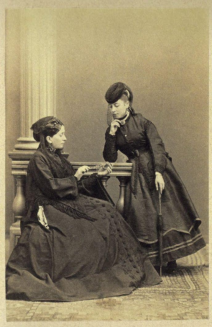 ΕΛΕΝΗ ΚΟΥΝΤΟΥΡΙΩΤΗ ΚΑΙ ΦΙΛΗ ΤΗΣ, 1865