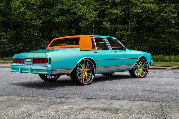 Turquoise 1989 Chevrolet Caprice (Box Chevy) gets cool Forgiato Wheels (7)