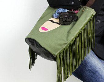 Frida de lona y cuero bolso/Boho con flecos bolso de hombro de la lona cubo bolsa/reciclado lona militar bolsa de bolsa/Frida/Boho Chic-FridaToteEC8