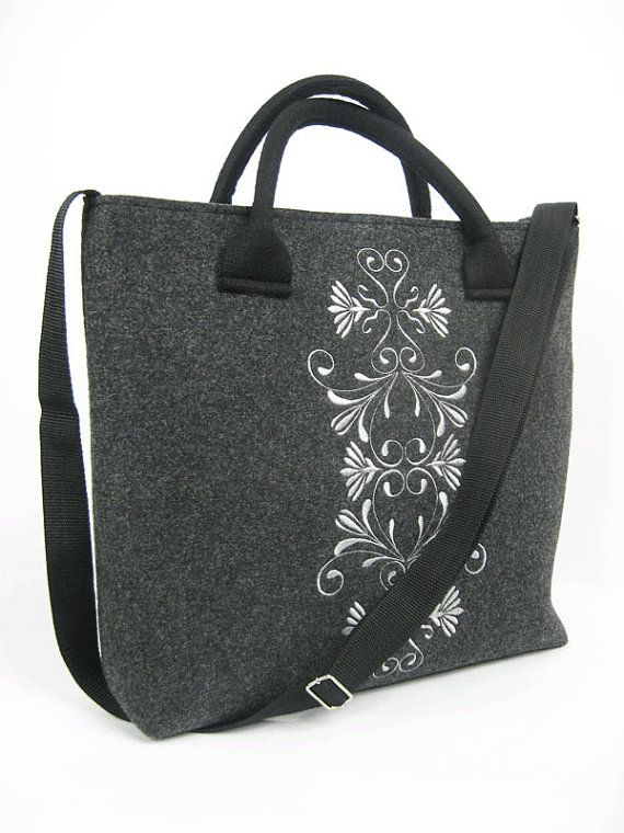 Tote Bag - O on Keen Squares by VIDA VIDA RlH43