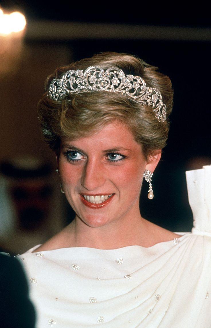 Princess Diana wearing the Spencer family tiara.