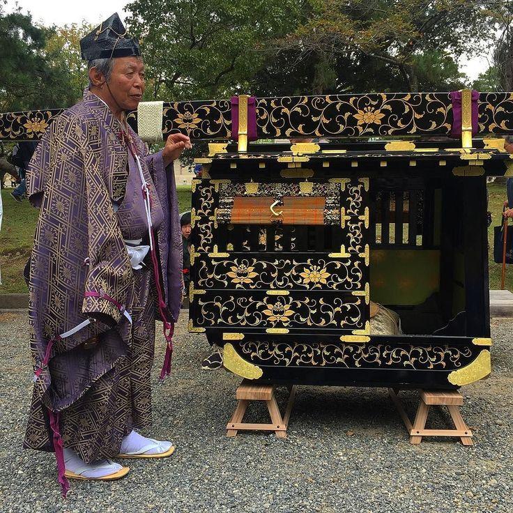 Древнеяпонский лексус #машинавремени #мидокоро #киото #Япония #праздник #дзидаймацури #мацури #такси #лимузин #лексус