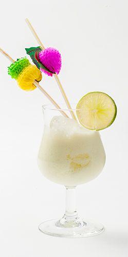 Braziliaanse limonade: In Brazilië is zelfs de limonade een klein feestje. De klassieke brasilena is een cocktail met limoen en gecondenseerde melk en is lekker verfrissend tijdens spannende momenten. Voor oud én jong, want er zit geen alcohol in. Uit: de Coop Keukentafelgids Lente 2014.