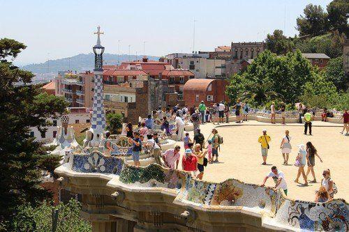 """Egy élhető, """"ehető"""" város - Barcelona II.     Folytatva kultúr és gasztó kalandozásainkat Barcelonában a két nagy falat következett - a Sagrada Familia majd a Park Güell, vagyis Antoni Gaudí két mesterműve, amelyekhez csak annyit javaslok mindenkinek, aki ide érkezik, hogy előre, vagyis online vegye meg a jegyet - ellenkező..."""