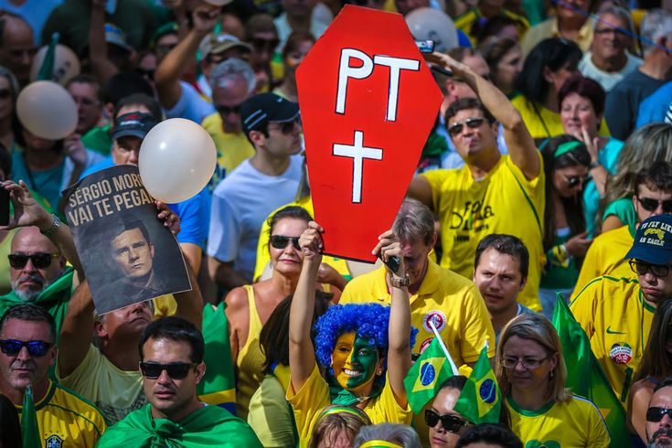 15 março 2016 - O Brasil não quer mais o PT Continue lendo → http://preview.is/1LlYwuX #DilmaRoussef #Impeachment #ManifestaçãoContraOGoverno