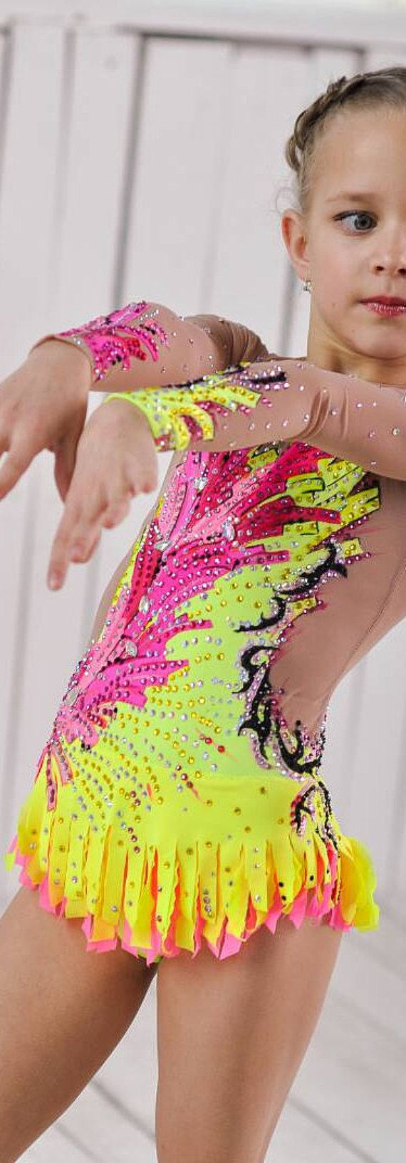 Wunderschöne Designer rhythmische Sportgymnastik DREAMLIGHT Eislaufen Wettbewerb