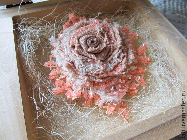 Купить Брошь Апельсиновый леденец - коралловый, бохо брошь, броши цветы, броши винтажные