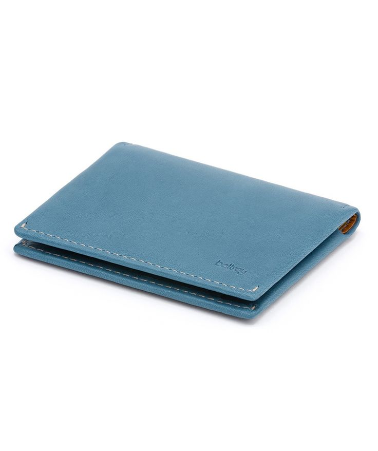 Here is the perfect leather cover for your notebook, cards and a pen. This is great for those looking for a better way to protect their notebook or sketchpad. | huntingforgeorge.com