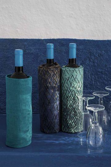 Habillez les bouteilles ! - Tendances tissus : le vent bleu - CôtéMaison.fr