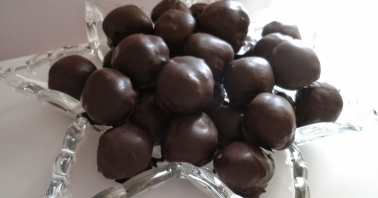 Ο συνδυασμός εσπεριδοειδών με σοκολάτα με τρελαίνει! Τρεις χειμώνες πριν, μια καλή συνάδελφος, η κυρία Τούλα, με κέρασε αυτ...
