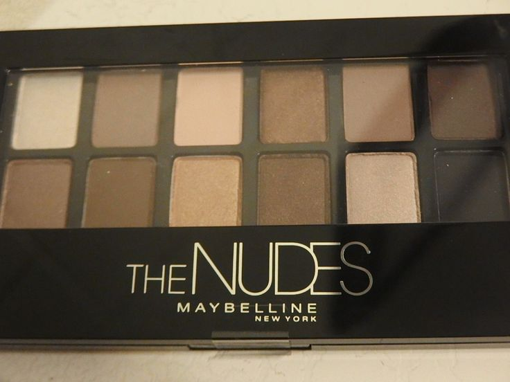 Few weeks ago, as I was browsing on the Maybelline makeup shelves at one of the drugstore. I fell upon this amazing eyeshadow palette The NUDES. I find The NUDES from Maybellinequiteresembled th...